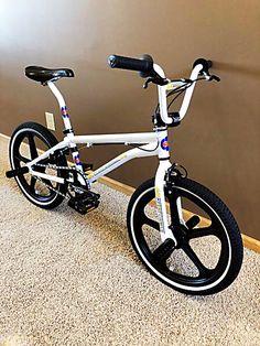 Vintage Bmx Bikes, Velo Vintage, Bmx Cruiser, Beach Cruiser Bikes, Bmx Bicycle, Cycling Bikes, Mongoose Bike, 24 Bmx, Bmx Frames