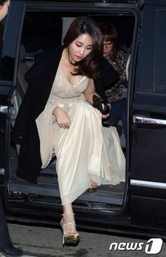 Choi Hee, Korean Singer, Actresses, Chic, Formal Dresses, With, Idol, Style, Fashion