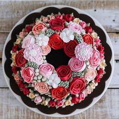 Perfeicao de bolo  #mae_festeira #cake #bolo #torta #sugarart #frosting by @ivenoven