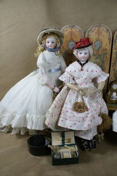 Romantic Articulated Wood Body from ~ BEAUTIFUL BEBES ~ found @Doll Shops United http://www.dollshopsunited.com/stores/Bebes/items/1267563/Romantic-Articulated-Wood-Body-Huret #dollshopsunited