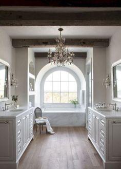 Rustic farmhouse master bathroom remodel ideas (60)