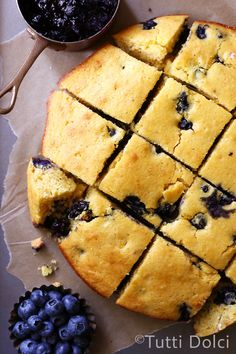 Until last week, cornbread was fairly nonexistent in my life. That all changed when I pulled this blueberry buttermilk cornbread out of the oven and took my first bite – I became an instant c…