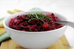 Vinaigrette - knallroter Kartoffelsalat  |  A Little Fashion  |  http://www.a-little-fashion.com/rezepte/vinaigrette-knallroter-kartoffelsalat #rezept #recipe #kochen #backen #idee #essen #trend #filizity #kuchen #torte #salat #tafel