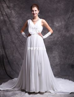#robe #mariée Robe de mariage A-ligne ivoire en chiffon à col V ornée de paillettes