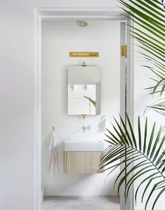 gorgeous small modern bathroom | light and airy house tour on coco kelley