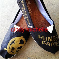 Custom Toms Hunger Games Hand Painted On Toms Shoes
