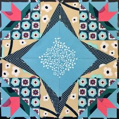 EPP Party Block 11: Floral Wreath - English Paper Piecing Quilt Block Foundation Paper Piecing, Contemporary Quilts, English Paper Piecing, Diy Pillows, Paper Goods, Quilt Blocks, Party Time, Quilt Patterns, Things That Bounce