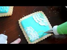 University of Cookie: Brush Embroidery for Cookies : a video tutorial
