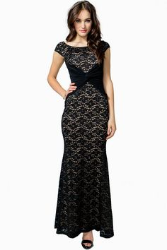 Up the romance in this stunning lace gown featuring a ruched crepe chiffon center with a twisted front. Scoop neck. Padded bust. Sleeveless. Partial back zip closure. Finished hem. Full contrast lining.