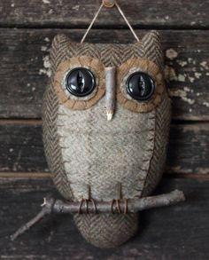 Primitive Owl Folk Art Ornie by rockriverstitches on Etsy Fabric Art, Fabric Crafts, Sewing Crafts, Wool Fabric, Primitive Folk Art, Primitive Crafts, Dac Diy, Art Fil, Owl Crafts