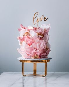 Simply incredible by cake artist Julian Angel of . Beautiful Wedding Cakes, Gorgeous Cakes, Pretty Cakes, Amazing Cakes, Paper Cake, Cake Art, Funfetti Kuchen, Couture Cakes, Cupcake Cakes