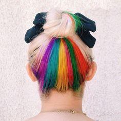 Franjas de nuca arcoiris | 17 Tintes coloridos para el cabello que puedes usar…
