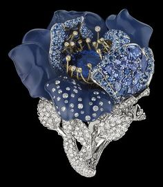 Victoire de Castellane for Dior Fine Jewellery le Bal des roses bal Bleu Nuit ring white and yellow gold, diamonds, grey diamonds, sapphires, blue chalcedony and tanzanites. Dior Jewelry, Antique Jewelry, Vintage Jewelry, Silver Jewelry, Bling Jewelry, Wedding Jewelry, Handmade Jewelry, Jewelry Trends, Jewelry Accessories