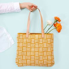 Päre bag is designed by Molla Mills for Lankava. The bag is crocheted with Lankava Minimop Yarn. Crochet your own bag! Design Molla Mills for Lankava 2020 Tapestry Crochet, Knit Crochet, Crochet Purses, Crochet Bags, Blanket Yarn, Time Shop, Knitted Bags, Blue Bags, Hand Knitting