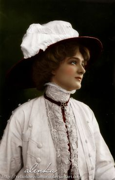 Actress Miss Lily Elsie Close Up Head Turned Photo Card Victorian Women, Edwardian Era, Edwardian Fashion, Victorian Steampunk, Lily Elsie, Mode Vintage, Vintage Girls, Vintage Outfits, Vintage Pictures