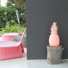 Pina Colada Lamp Pastel Pink Contemporary Pineapple by FigoHome Pineapple Lights, Pineapple Lamp, Home Deco, Deco Cactus, Owl Lamp, Design3000, Baby Pink Colour, Tropical Style, Retro Home
