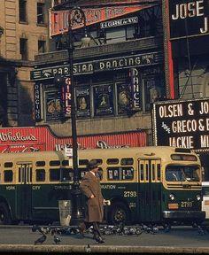WALKER EVANS. NYC. escena callejera, 1952.