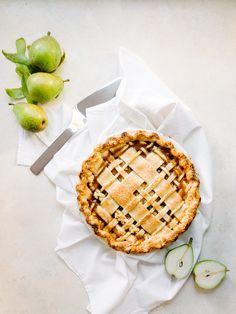 Nutmeg & Pear Pie Recipe — Fix Feast Flair Winter Cakes, Kitchen Recipes, Baking Recipes, Dessert Recipes, Pear Recipes, Sweet Recipes, Southern Recipes, Pear Pie, Sweet Pie