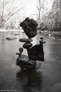 """Balanced Art"" Rock Sculptures by Michael Grab"