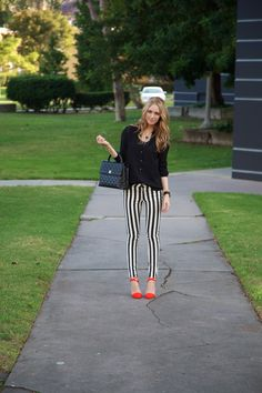 A simple black & white outfit with a pop of color from my heels. Love these striped pants! Office Fashion, Covet Fashion, Casual Outfits, Cute Outfits, Fashion Outfits, Striped Jeans, Stripe Pants, Get Dressed, Dress To Impress