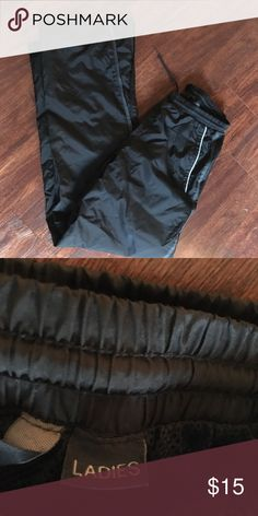 Black athletic pants Perfect for going to the gym or warming up before practice. In good condition, only worn twice. Pants