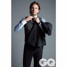@gqmagazine @bradleycooper #style #men #look #smart