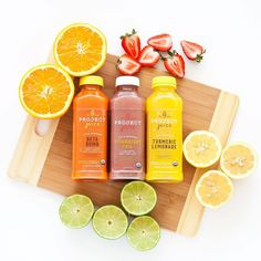 Beta Bomb, Strawberry Chia & Turmeric Lemonade = PERFECT juices for summer. Click through to create your custom juice pack for the season. Juice Packaging, Beverage Packaging, Bottle Packaging, Turmeric Lemonade, Turmeric Juice, Kombucha, Juice Menu, Drink Recipes Nonalcoholic, Healthy Bars