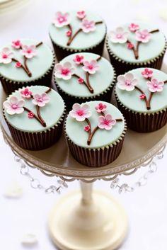 벚꽃 컵케이크