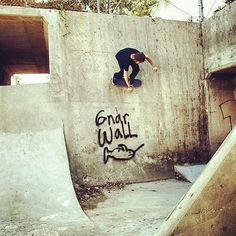 Gnar wall by our rad & sweet contributor @laura_austin for @rythm_livin #madness #love