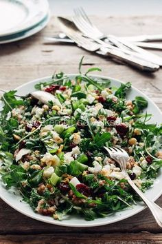 Boekweit salade van Ottolenghi | Salad with buckwheat, rice, lots of herbs cranberries, hazelnuts, goatcheese and a lemon seasoing Recipes With Vegetables Only, Fruits And Veggies, Veggie Recipes, Salad Recipes, Vegetarian Recipes, Healthy Recipes, Ottolenghi Salad, Ottolenghi Recipes, Otto Lenghi