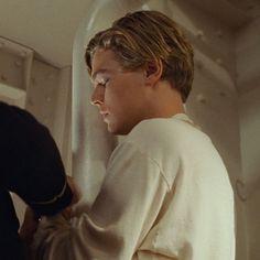 Leonardo Dicaprio Titanic, Leonardo Dicaprio Photos, Leonardo Dicapro, Leo And Kate, Jack Dawson, Titanic Movie, Kate Winslet, Fine Men, Handsome Boys
