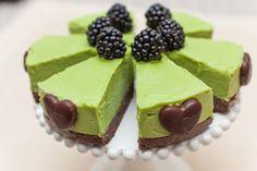 Изображение vegan avocado cake