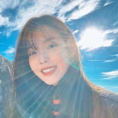 Photo album containing 9 pictures of IU Korean Actresses, Korean Actors, Iu Twitter, Good Day Sunshine, Sulli, Moon Lovers, Creature Feature, Korean Celebrities, Celebs