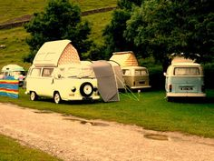 so vintage...70's style gypsy wagon♥