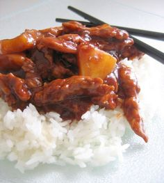 and sour sauce with pineapple -.: The spicy plate:. - -Chicken sweet and sour sauce with pineapple -.: The spicy plate:. - -sweet and sour sauce with pineapple -.: The spicy plate:. - -Chicken sweet and sour sauce with pineapple -.: The spicy plate:. Slow Cooker Huhn, Slow Cooker Soup, Slow Cooker Recipes, Cooking Recipes, Best Soup Recipes, Healthy Soup Recipes, Vegetarian Recipes, Chicken Recipes, Food Porn