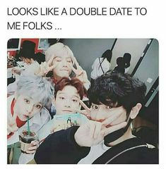 Find images and videos about kpop, exo and baekhyun on We Heart It - the app to get lost in what you love. Baekhyun Chanyeol, Kpop Exo, Park Chanyeol, Kris Wu, Exo Group, Exo Lockscreen, Xiuchen, Baekyeol, Greek Gods