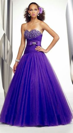 Love the color & dress