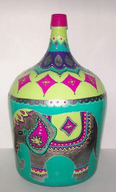 Painted Glass Bottles, Recycled Glass Bottles, Bottles And Jars, Wine Bottle Art, Wine Bottle Crafts, Ebru Art, Eco Store, Posca, Bottle Painting