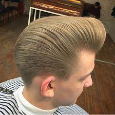 RG: @santiago.greeen [ REPOST By: @r.braid ] #BARBERINSPIRATIONS2017 #Repost #Style #Fashion #MensHair #MensStyle #MensLook #MensFashion #MensGrooming #HairStyles #HairCuts #HairArt #PhotoArt #LovePhoto #LovePhotography #Model #Modelling #Barber #Barbering #BarberShop #BarberLife #BarberLove #Beard #Beards #Tattoo #Tattoos #TattooArt #InternationalBarbering