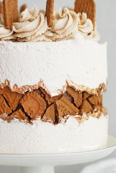 Biscoff Cake, Biscoff Cookie Butter, Oreo Cake, Biscoff Recipes, Cake Recipes, Vegan Cake, Vegan Desserts, Plated Desserts, Mini Cakes