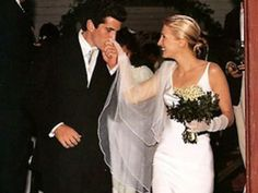 Carolyn Bessette and John F. Kennedy Jr.  Bessette wore a $40,000 floor-length Narcisco Rodriguez gown, made of pearl-colored silk crepe, hand-rolled tulle silk veil, and long silk gloves. Her shoes, made of beaded satin, were by Manolo Blahnik.    Read more: http://www.businessinsider.com/kate-middleton-prince-william-rupert-murdoch-media-weddings-2011-4?op=1#ixzz1yT8rR88o