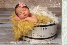 Could this be ANY cuter? Maybe suggest to Katie for Harper's first photo shoot?