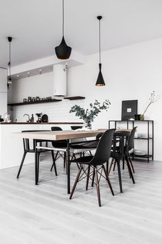 The minimalist design can be your option to make a stylish dining room. Just check out these minimalist dining room ideas that will inspire you! Dining Room Lamps, Dining Room Lighting, Dining Room Design, Dining Tables, Dining Area, Minimalist Dining Room, Room Interior, Interior Design, Dining Room Inspiration