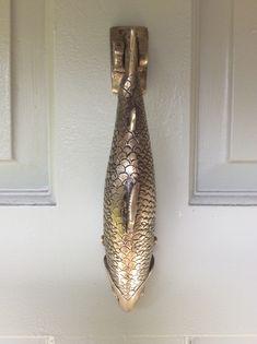 Large Vintage Heavy Brass Fish [Salmon] Door Knocker In Presentation Box Antique Door Knockers, Door Knockers Unique, Brass Door Knocker, Door Knobs And Knockers, Brass Door Handles, Door Fittings, Glass Front Door, Unique Doors, Door Furniture