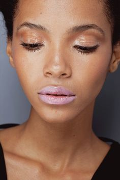 natural shimmery pink // this look is so fresh and beautiful