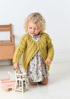 Ravelry: 1702 Flettejakke pattern by Åsa Christiansen Knitting For Kids, Baby Knitting Patterns, Crochet For Kids, Knit Crochet, Crochet Hats, Baby Alpaca, Mulberry Silk, Baby Sweaters, Comfortable Outfits