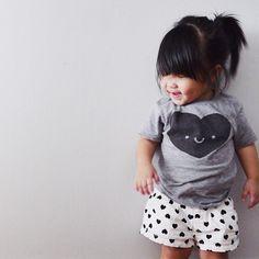 House of Mia + Whistle & Flute Kawaii Heart T-Shirt Trendy Baby, Stylish Little Girls, Stylish Kids, Fashionable Kids, Kids Outfits Girls, Toddler Girl Outfits, Toddler Fashion, Kids Fashion, Young Fashion