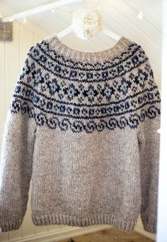 Ravelry: Norwegian Lopapeysa Sweater pattern by Katrine Hammer Fair Isle Knitting Patterns, Fair Isle Pattern, Knitting Charts, Sweater Knitting Patterns, Knit Patterns, Fair Isle Chart, Knitting Gauge, Sock Knitting, Knitting Machine