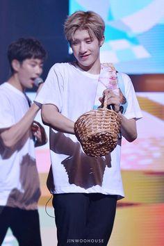 [27-28.08.16] Mini Live Thankx Aroha - MyungJun e JinJin Channel V, Jinjin Astro, Astro Fandom Name, Cha Eun Woo, Fans Cafe, Sanha, Minhyuk, Boy Groups