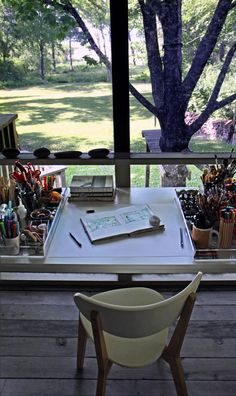 This looks like another ideal place to write. Some writers recommend that there be nothing to look at. I need light and, if possible, a view. I can't look at a blank wall and focus.